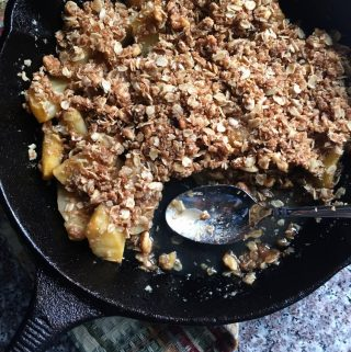 apple crisp in a cast iron skillet
