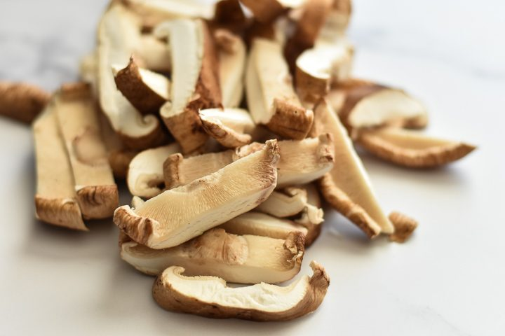 sliced shiitake mushrooms